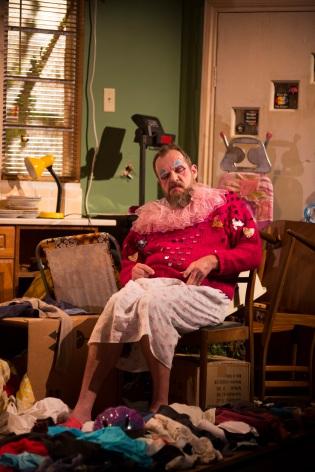 1 Andy Williams in Hir Bush Theatre Credit Ellie Kurttz